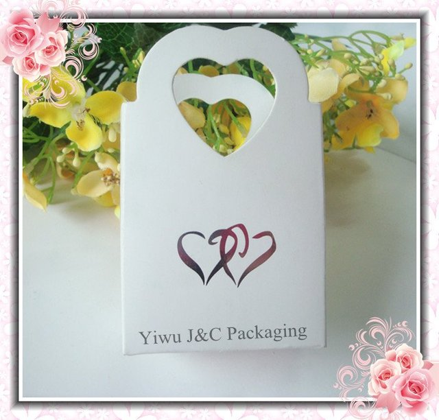 Free Shipping 100pcs White Wedding Favor Box Basket With Two Hearts