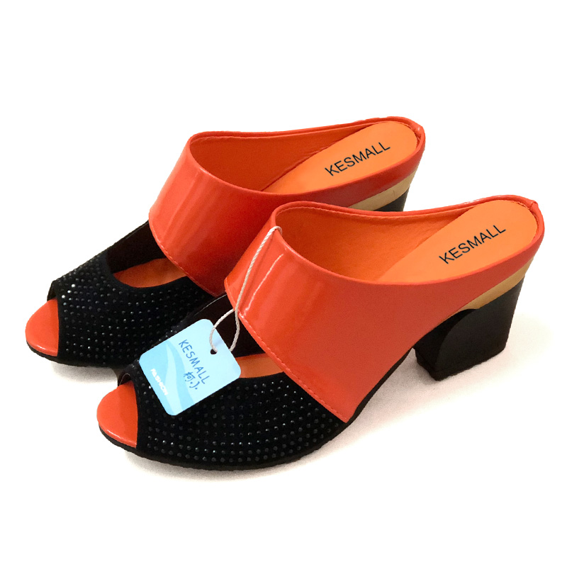 Women Sandals Square Heel 2019 Summer Shoes Woman Fashion Slides Cut-out Open Toe Slip On Mothers Sandals Female Bling Slippers