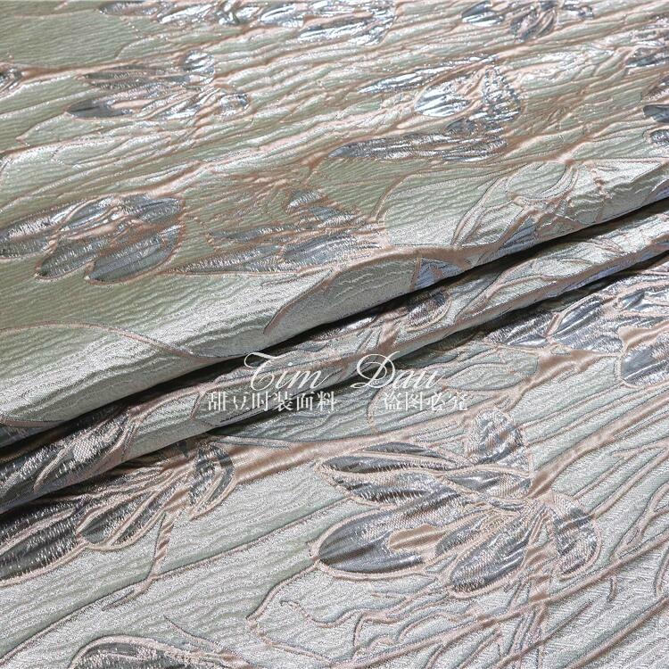 Tissu de robe de brocart de positionnement de Jacquard teint en fil tridimensionnel en soie d'or de haute qualité tissu de grande marque - 5