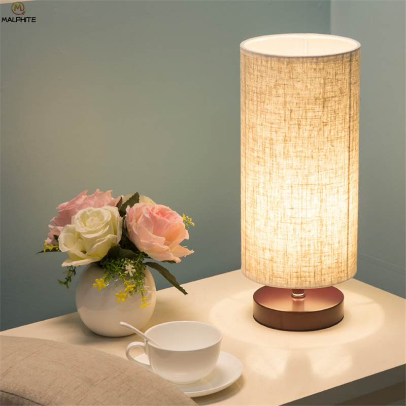 Nordic Solid Wood Table Lamp Modern Minimalist Fabric Cylindrical Lamps Table Bedroom Bedside Living Room LED Lighting Fixtures