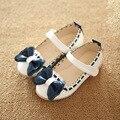 2016 девушки сандалии детские повседневная кожаная обувь ребенка принцесса обуви дети обувь детская мода квартиры девушка лук sandalias Бесплатная Доставка