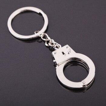 Gorąca sprzedaż kajdanki brelok samochód brelok do kluczy brelok do kluczy symulacja kajdanki model klucz klamra dla najlepszy prezent biżuteria akcesoria