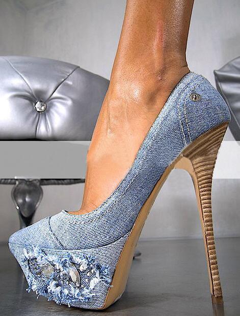 купить Spring Fashion High Platform Women Sexy Denim Pumps Crystal Side Ladies High Heels 2017 Hot Female Dress Shoes Party Stilettos по цене 6201.37 рублей