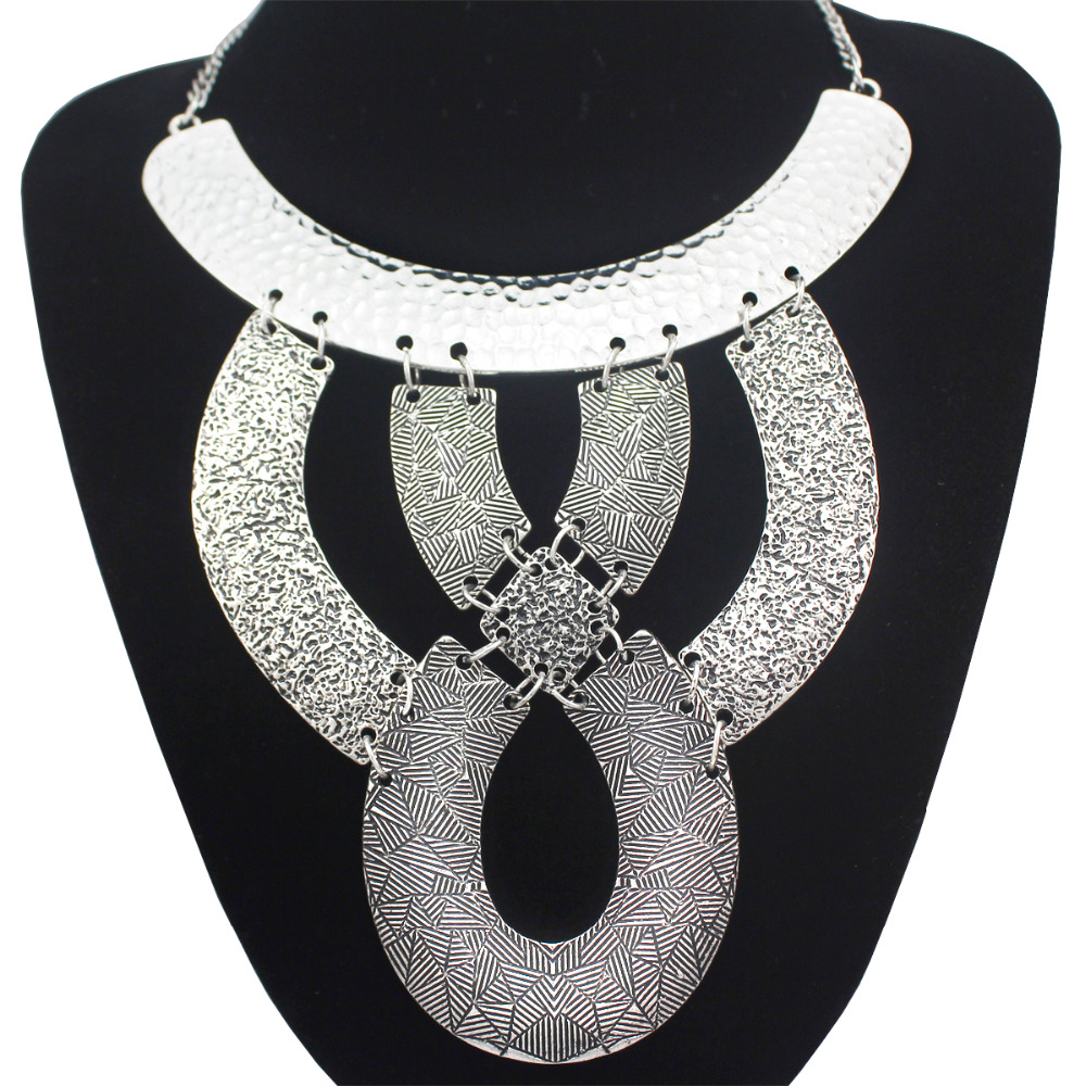 Vintage Cleopatra Revival Knot Big Pendant Necklaces for Women Men Carved Snake Gypsy Statement Choker Collar Bib Jewelry