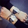 100 unids GD Nueva bigbang Moda estudiante Relogio Mujeres Reloj de Las Señoras Simples de los hombres EXO Reloj de cuarzo reloj de Cuero Ocasional reloj del amante