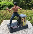 Envío Gratis Solar Powered Kung Fu Master Bruce Lee Acción PVC Figure Collection Juguetes SHD-1093