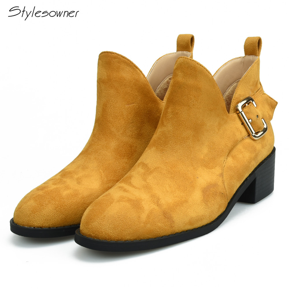 Stylesowner New Style Hot Design Shallow Woman Short Boots with Short Plush Low Heels Winter Woman Boots Solid Color Fashion