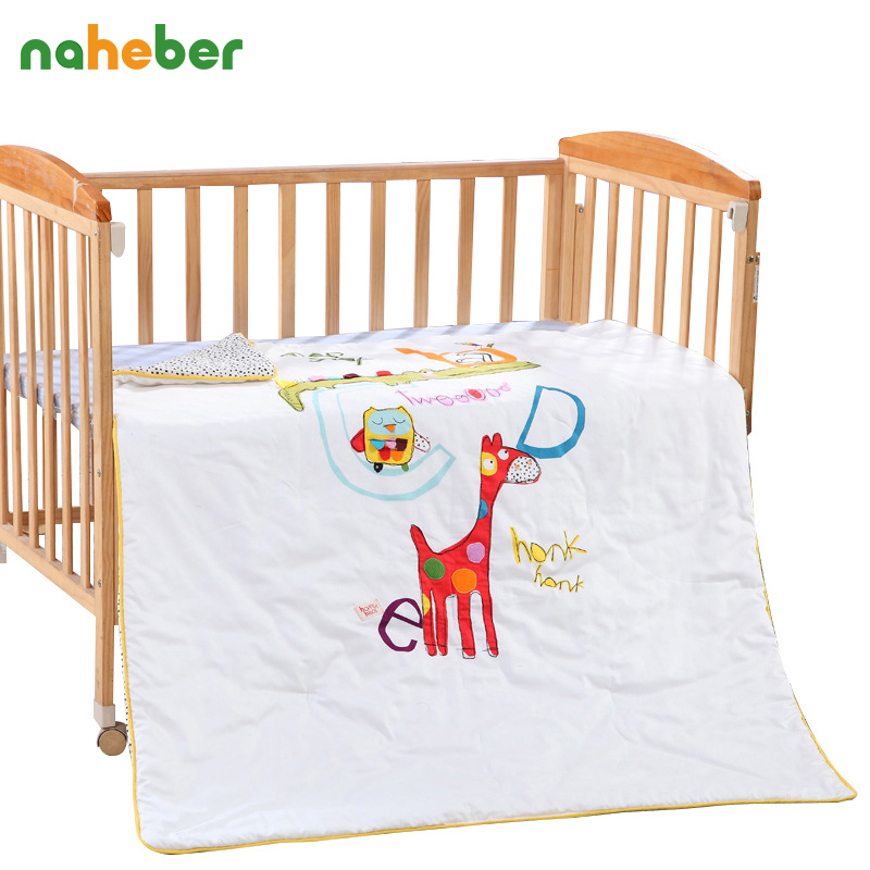 ФОТО High Quality Cotton Baby Cot Quilt/Comforter/Duvet Cartoon Animal Embroided Children Crib Bedding 130*110cm