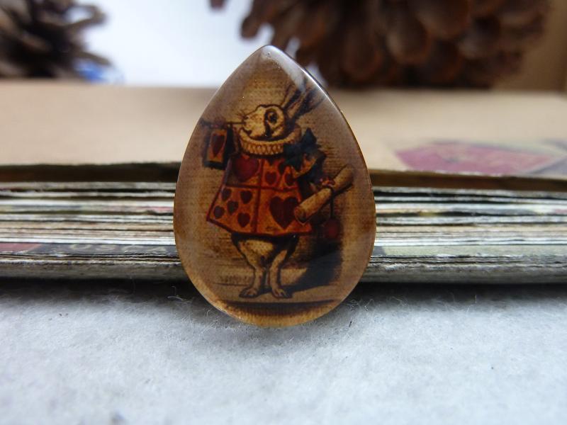 6pcs 18x25mm Handmade Photo Teardrop Glass Cabs Cabochons (Alice Rabbit) GDA4-11