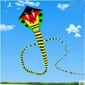 Envío de la alta calidad 15 m serpiente cometa con la línea de mango ripstop nylon al aire libre juguetes niños rueda de fábrica gran cometa cometas águila