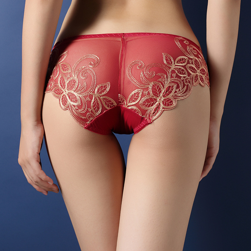 2017 new styles Women's   Panties   Low-waisted Ma'am Underpants Foreign Trade Embroidery Lace Sexy Hollow Out Transparent Briefs