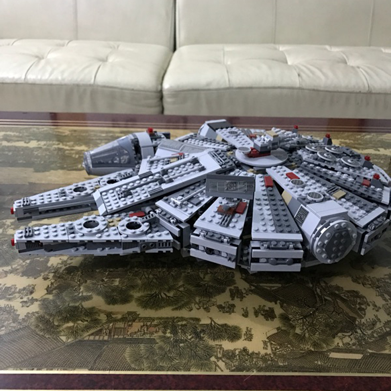 Building bricks 05007 Star Plan Wars Millennium Falcon Model 1381pcs Building Blocks Toys with Character Figures religious institutions and character building