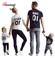 Americana europea de la REINA REY Letter Print T-Shirt Familia Equipada Camiseta de Verano Para Madre Padre Hija Hijo Ropa