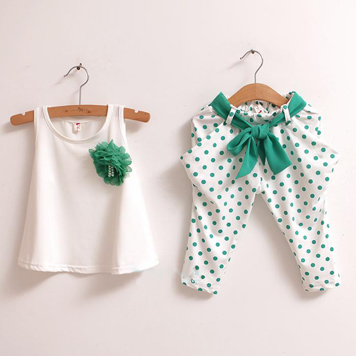 Kids girls clothing outfits sets 2017 Summer sleeveless T shirts with Flower & three quarter pants 2pcs Toddle girl clothes set off shoulder tops t shirts denim pants hole jeans 3pcs outfits set clothing fashion baby kids girls clothes sets