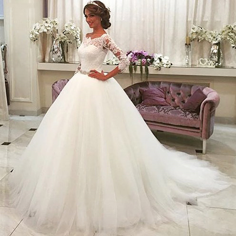 2019 Crystal Sash Button Back Wedding Gowns Robe De Mariee Trouwjurks White Lace Appliques Ball Gown Wedding Dresses