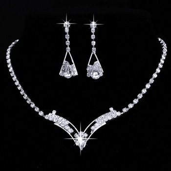 Sparkling V Shaped Rhinestone Australia Crystal Jewelry Set