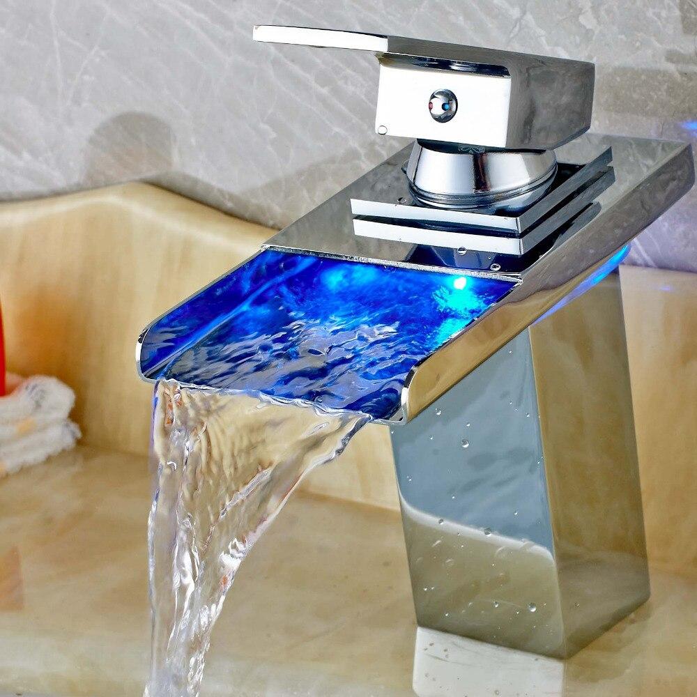 Бортике Водопад Ванная комната бассейна Раковина кран светодиодные Цвет изменение смесителя Твердый латунный хромированный Одной ручкой