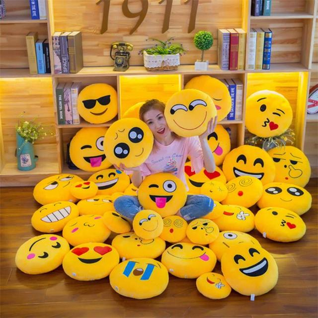 New Smiley Face QQ Emoji Pillows Soft Plush Emoticon Round Cushion Home Decor Cute Cartoon Toy Doll Decorative Throw Pillows 1