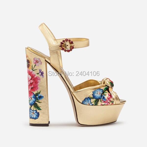 Célébrité Style de piste fête chaussures de mariage femmes couleurs mélangées Rivet clouté sandales d'été talons hauts à lacets Sandalia Feminina