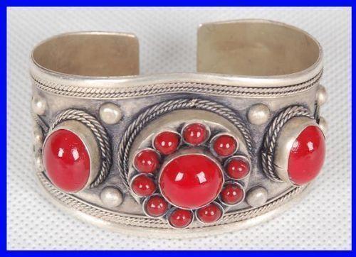 Bracelet tibétain  Argent Perles de corail