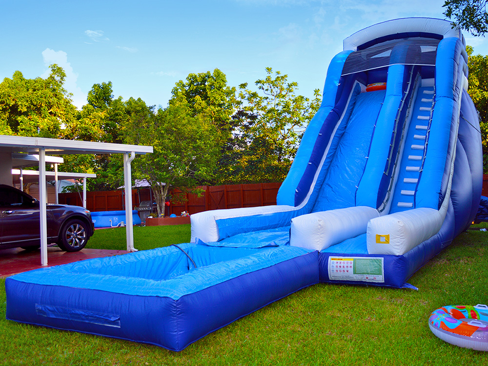 Made Of Eco-Friendly Material Inflatable Giant Water Slide With Pool For Kids Outdoor Playground