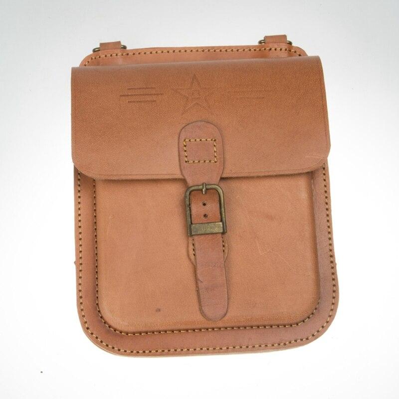 Здесь продается  CHINA Pattern BAG Marching Cow Leather Bag Brief Case 1981 Military Use CN/10710  Спорт и развлечения