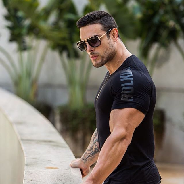 Muscle fitness short-sleeved European style mens Slim breathable and quick-drying high elastic T-shirt equipment sports tights