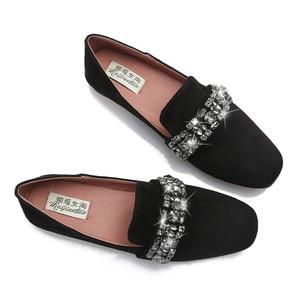 Image 4 - 女性ソフト底の正方形のつま先モカシン女性クリスタルローファー韓国スタイルビッグサイズ妊婦靴女性の快適駆動靴