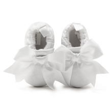 Delebao New Christening Baby Shoes 0-1 Years Newborn Baptism White Wholesale