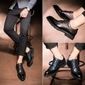 Корейский Стиль Весна Цвет Мода Городских Повседневная Обувь Кожа Мужчины Бизнес Обувь Повседневная Резные Кожаные Акцентом Обуви Мужчины Повседневная Обувь
