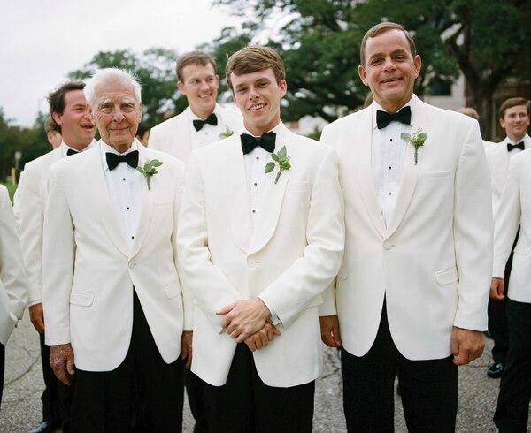 2017 Latest Coat Pant Designs White Formal Wedding Suits For Men Groomsmen Gentle Marriage 2 Piece