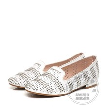 Arrival Pure Color Office Lady Women Leather Flat Shoes Ladies Shoes Comfortable Hot Selling Soft Leather Rivets Asakuchi