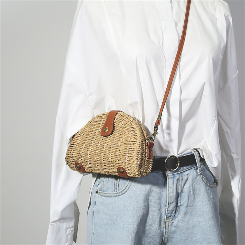 все цены на New Wemen Mini Messenger Bag Korean Style Ulzzang Shoulder Bag Straw Weaving Fashion Harajuku Primary Color Crossbody Bag
