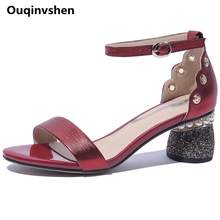 Ouqinvshen Round Heels Leather Sandals Women Plus Size Red String Bead Fashion Buckle Strap Women Shoes 2018 Rivet Summer Shoes