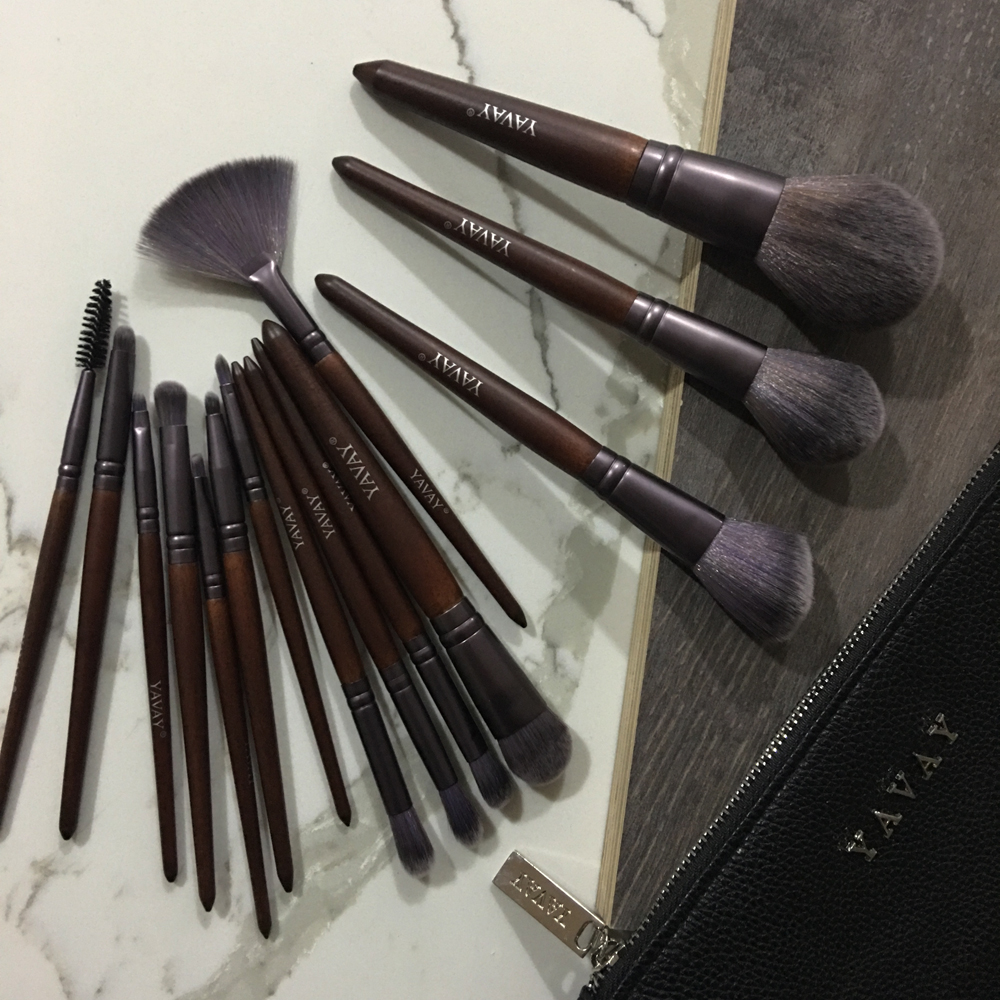 YAVAY 15pcs Walnut Micro Crystal Fib Makeup Brushes Lip Liner Foundation Concealer Make Up Brushes Tools Essential Sets with Bag