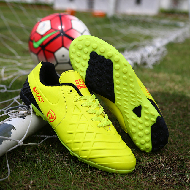 New Men Football Boots TF Brand Soccer Shoes Indoor Futsal Hard Court Sport Cheap Cleats Lace-up Lawn Trainer
