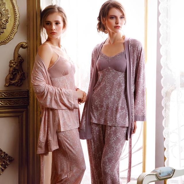Três-Piece 100% Algodão Conjuntos de Pijama Marca Camisola Pijama Mulheres Sleepwear Pijama para As Mulheres Robe de Impressão das Mulheres Casuais pijama