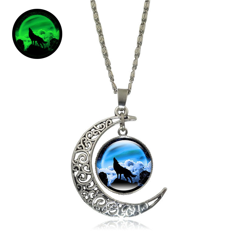 Glow In The Dark Pendant Howling Wolf Necklace Glass Cabochon Silver Crescent Moon Glowing Necklace Women Luminous Jewelry