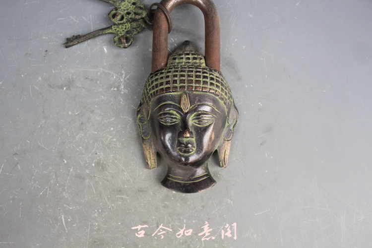 Pure bronze statue lock of Nepal