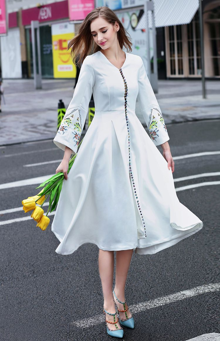 Dress up xl games - European Brief Runway Designer Dresses Fashion Ol Embroidery Flare Sleeves Long Dress Women Buckles A