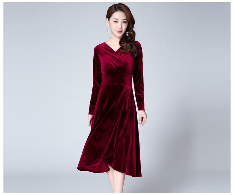 Vestido de invierno de otoño Pleuche 2018 nuevas mujeres con cuello en v de manga  larga vestidos de terciopelo largo femenino Casual Vintage Vestidos M-XXXL f078a932e1d7