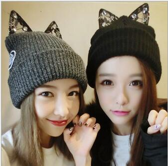 ФОТО Wholesale women rhinestone hat,winter warm beanie knitted hip-hop cap skullies, gorros invierno,hats with cartoon cat ears