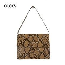 цена на Retro Serpentine Crossbody Bags for Women Handbag Designer Printed Flap Small PU Leather Shoulder Bag Female Snake Messenger Bag