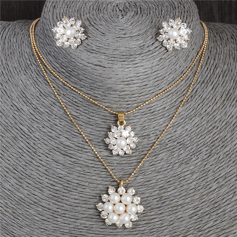 Hesiod White Snowflake Imitation Pearl Necklace Earrings