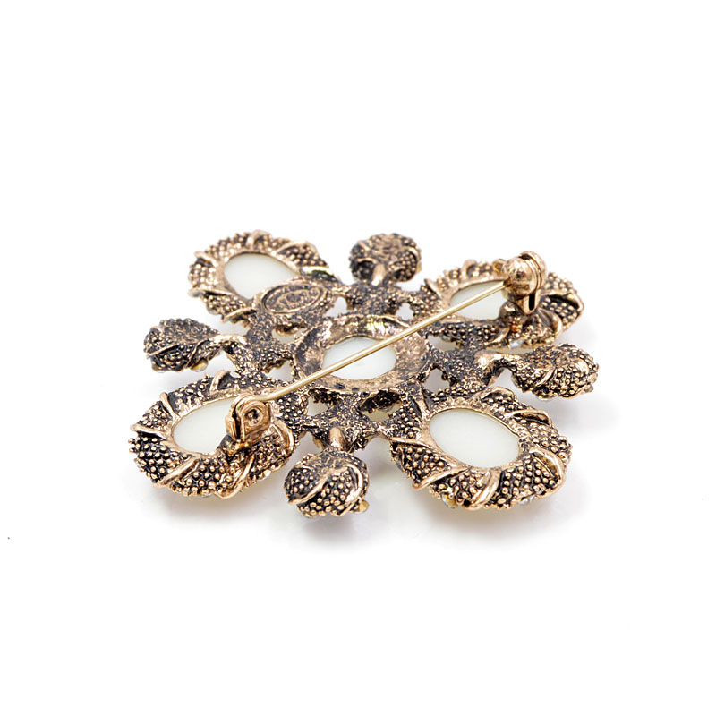 CINDY XIANG 3 Colors Choose Pearl Cross Baroque Brooches for Women Fashion Vintage Brooch Pin Wedding Coat Accessories Good Gift in Brooches from Jewelry Accessories