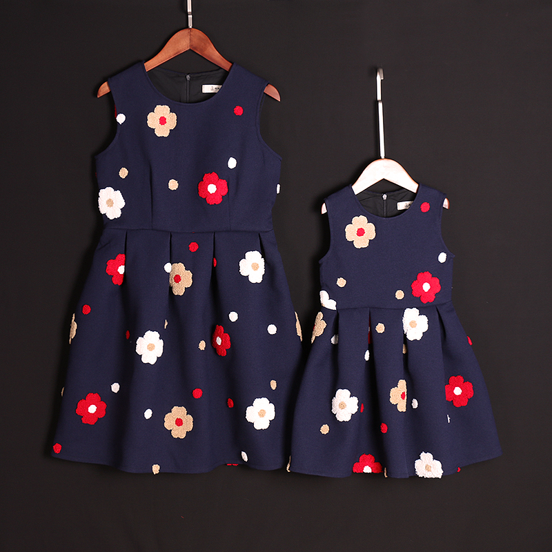 Brand Spring Family Matching outfits child Clothes sleeveless Dress Kids Clothing Baby Girl flower dress Mother Daughter Dresses 2014small little girl homemade parent child clothes for mother child bugs bunny cartoon one piece dress baby sweatshirt