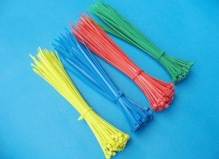 500pcs 4 200mm self locking nylon cable tie