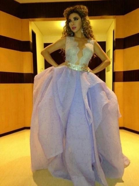 2017 Myriam Fares Árabe Celebrity Vestidos vestido de Bola Cuello Alto Rosa Encaje de Tul Con Cuentas Largas Vestidos de la Alfombra Roja