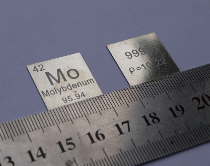 The metal molybdenum molybdenum cycle phenotype Mo = 99.95% 0.5 * 20 * 20 about 2.04 grams tungsten cycle phenotype side length of the cube weighs about 19 16g 10mm w 99 95%