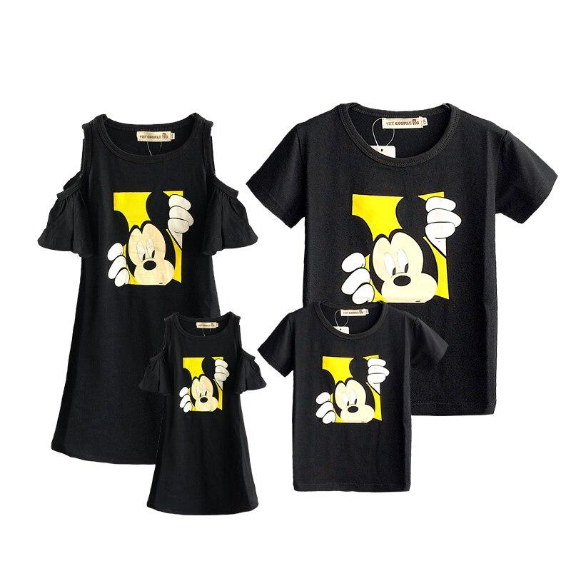 769471d99ef79c6 Одинаковые комплекты для семьи коллекция 2019 года, летние модные футболки  с Микки Маусом платья для